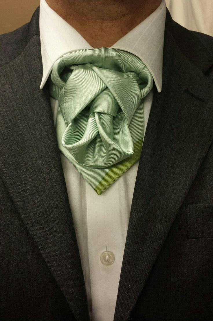 best tie knot photo - 1