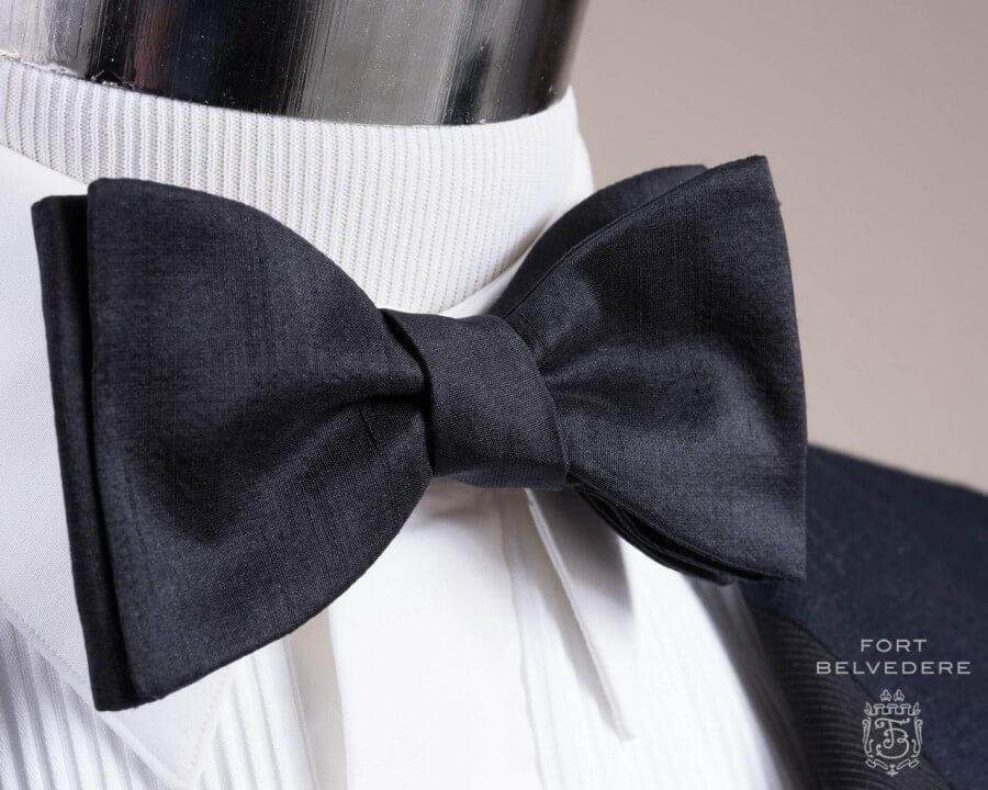 black bow tie self tie photo - 1