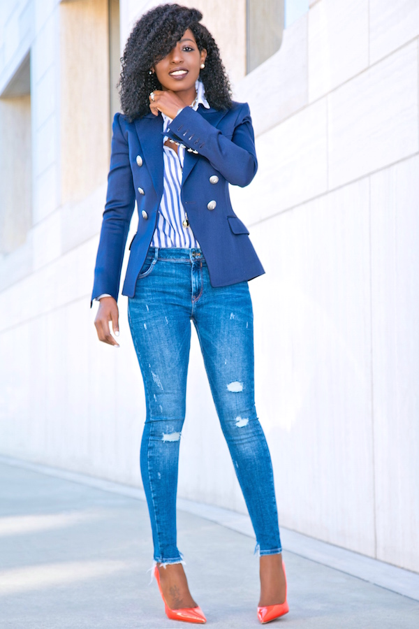 blue jeans fashion with dark blue buttons shirt office outfit photo - 1