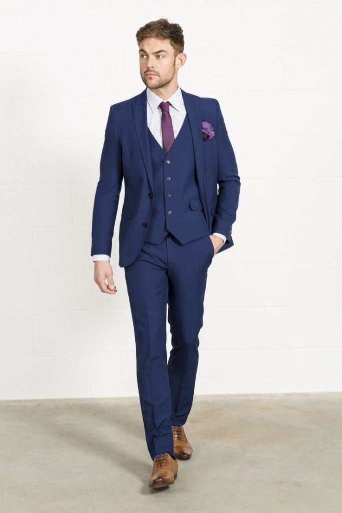 blue suit brown shoes what color tie photo - 1