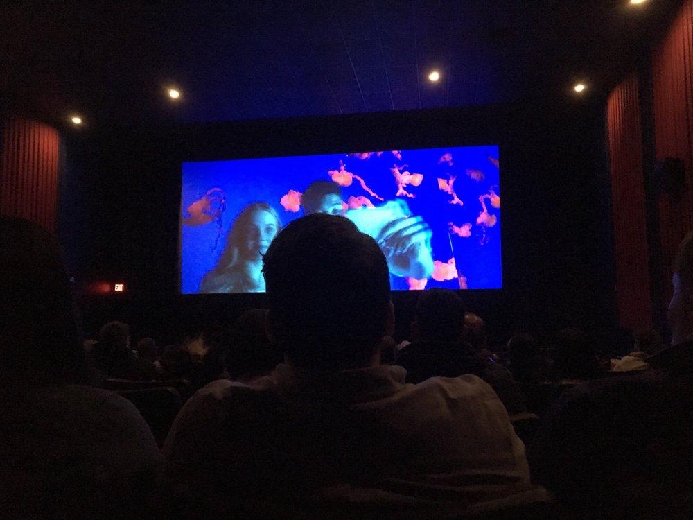 bow tie cinemas majestic 6 stamford ct photo - 1