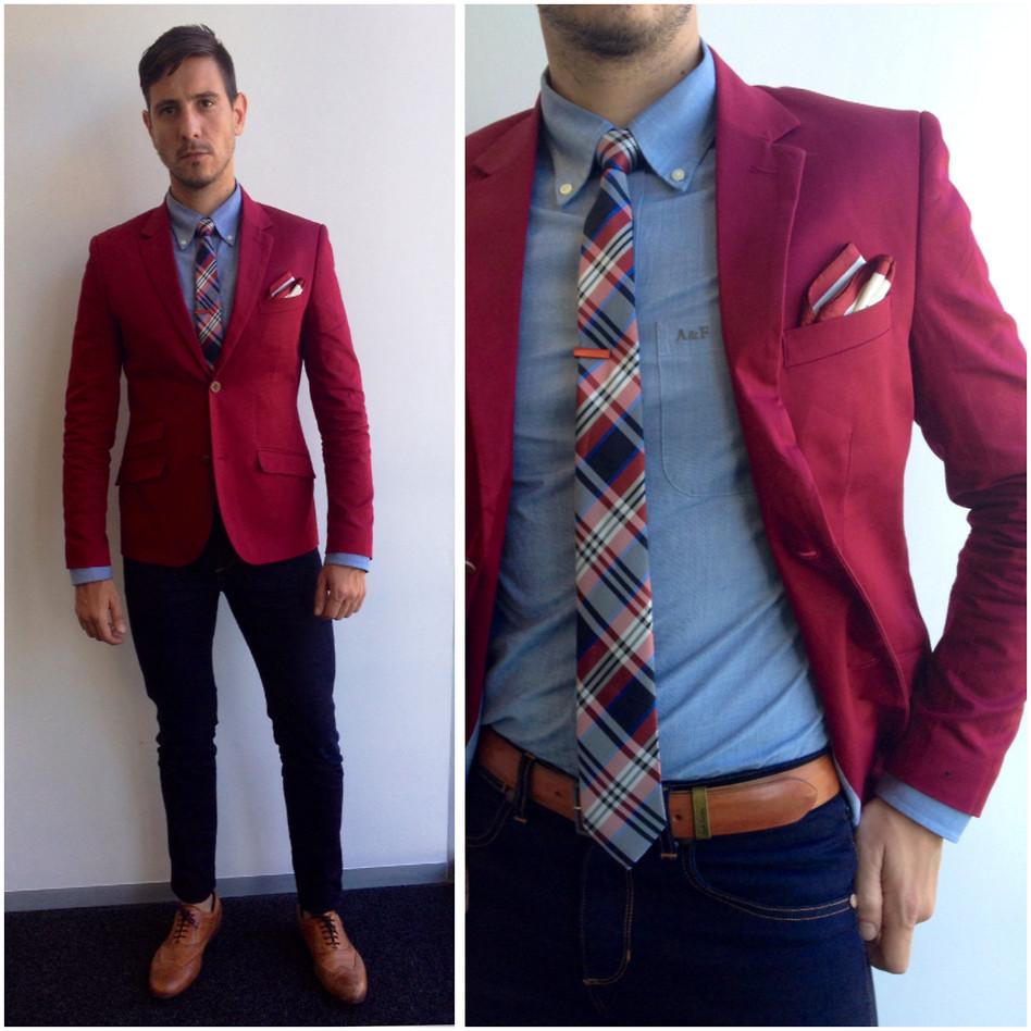 burgundy tie photo - 1