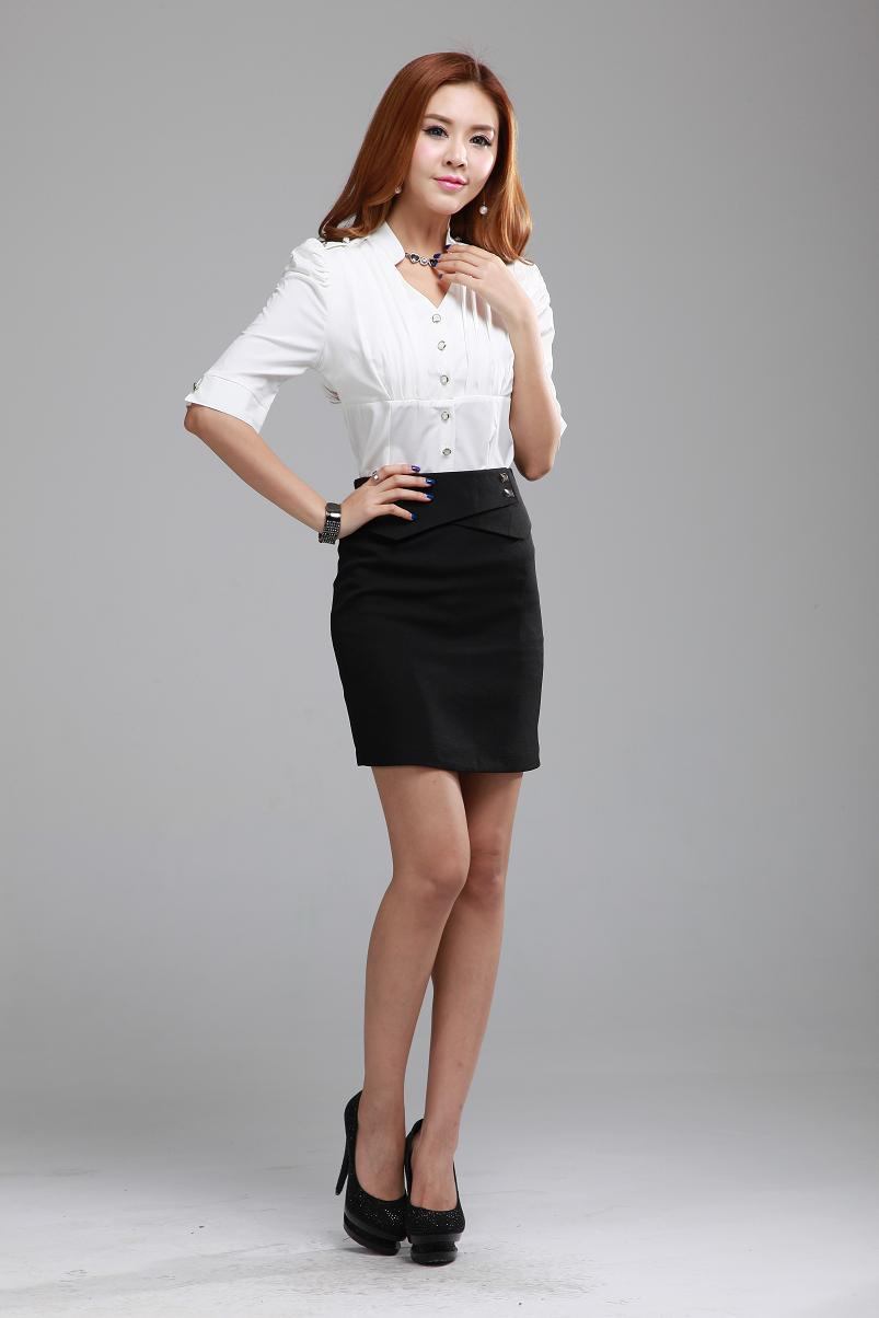 business skirt suit photo - 1