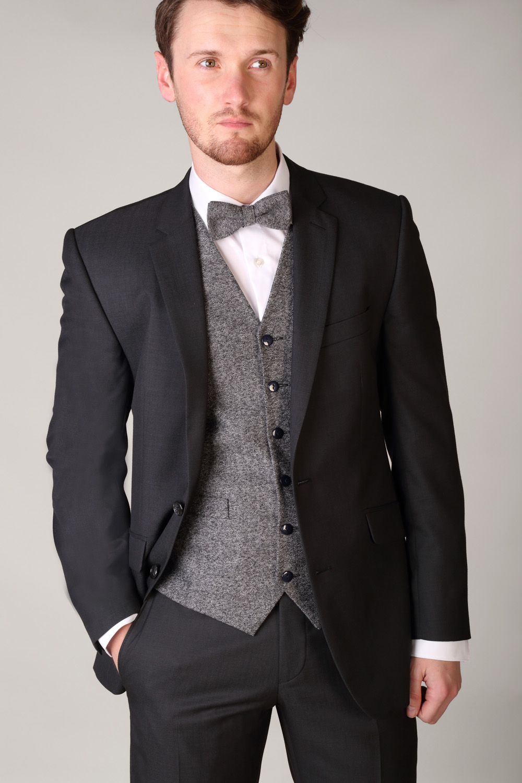 charcoal suit tie color photo - 1