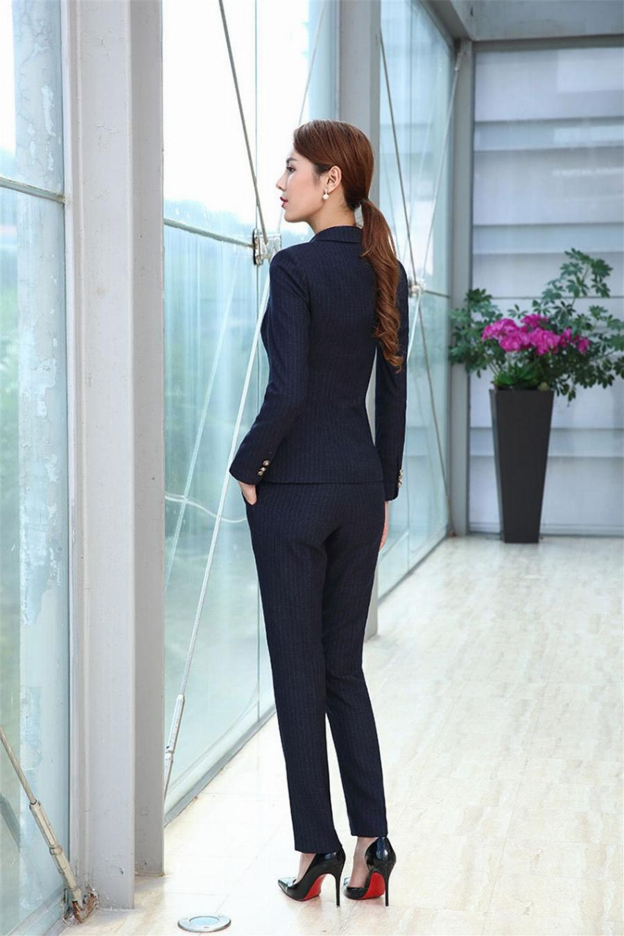 female office shirt photo - 1