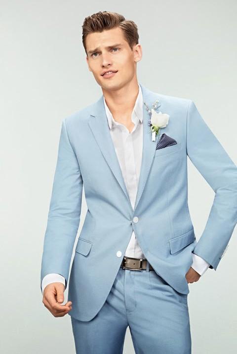 gray suit blue tie photo - 1