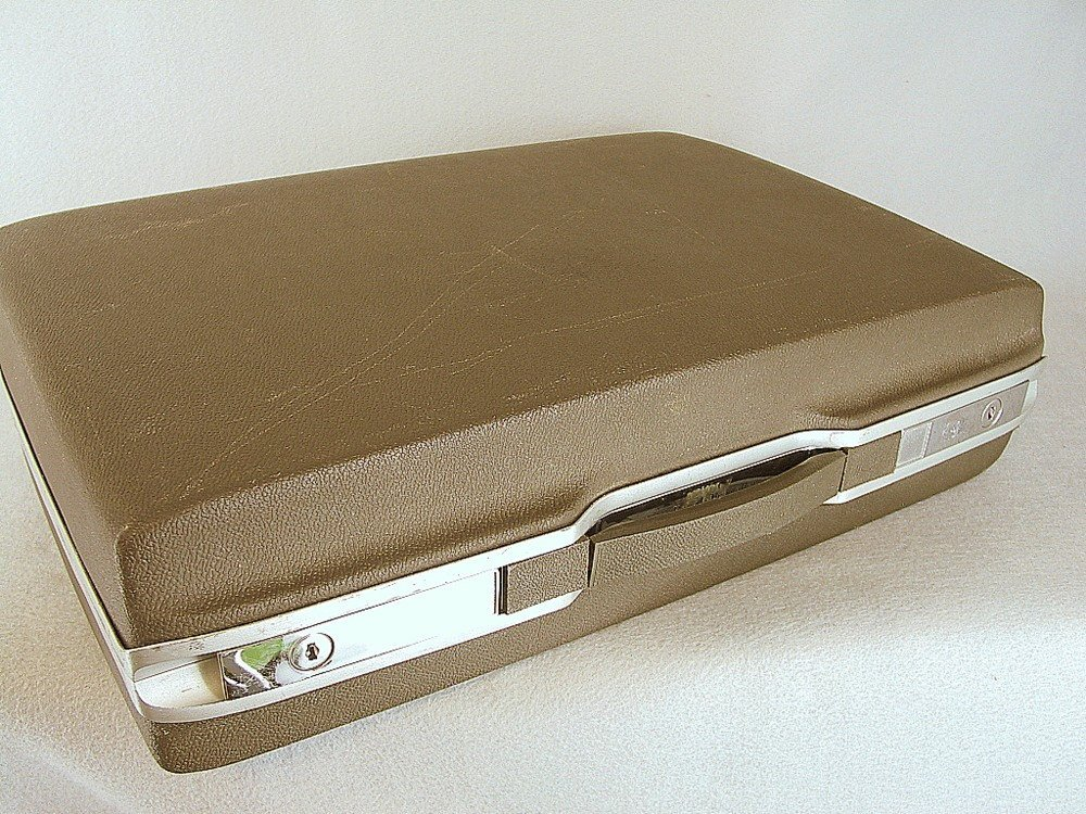 hard case briefcase photo - 1