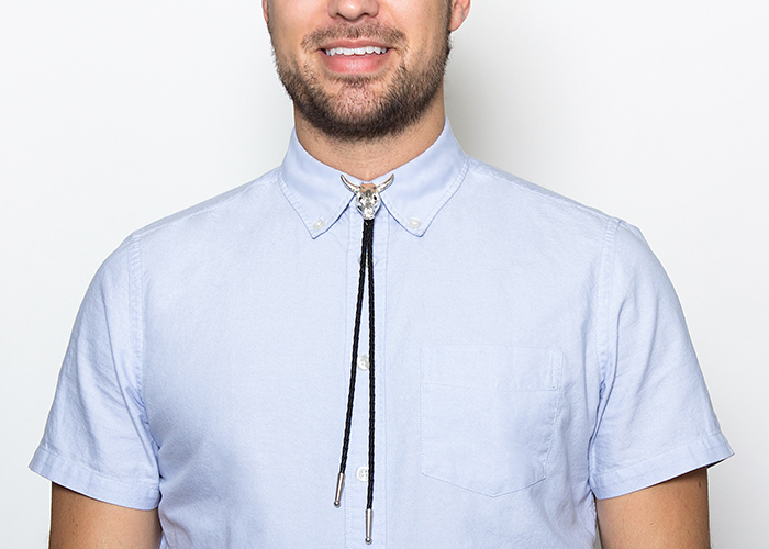 how to wear a bolo tie photo - 1
