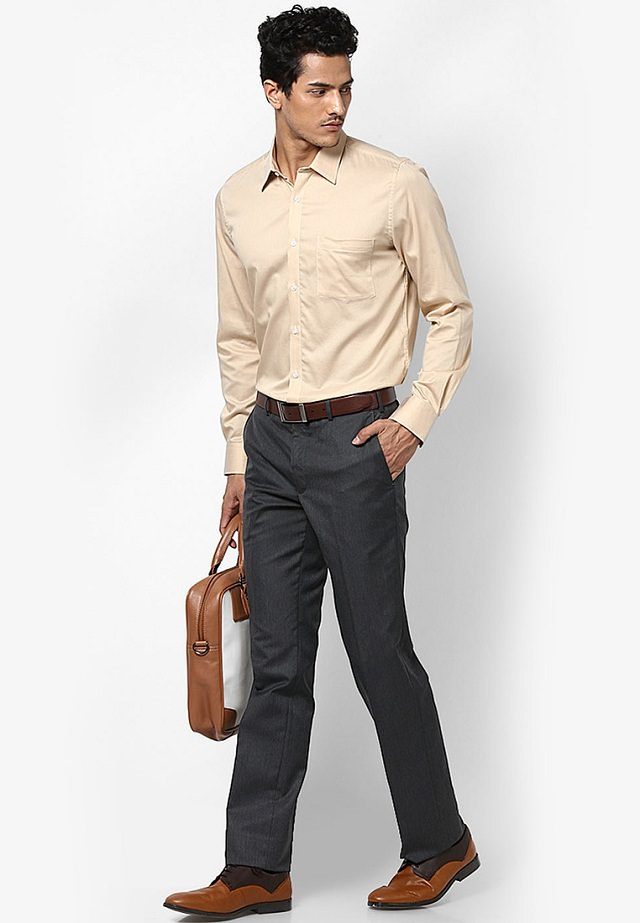 office formals shirt n pants photo - 1