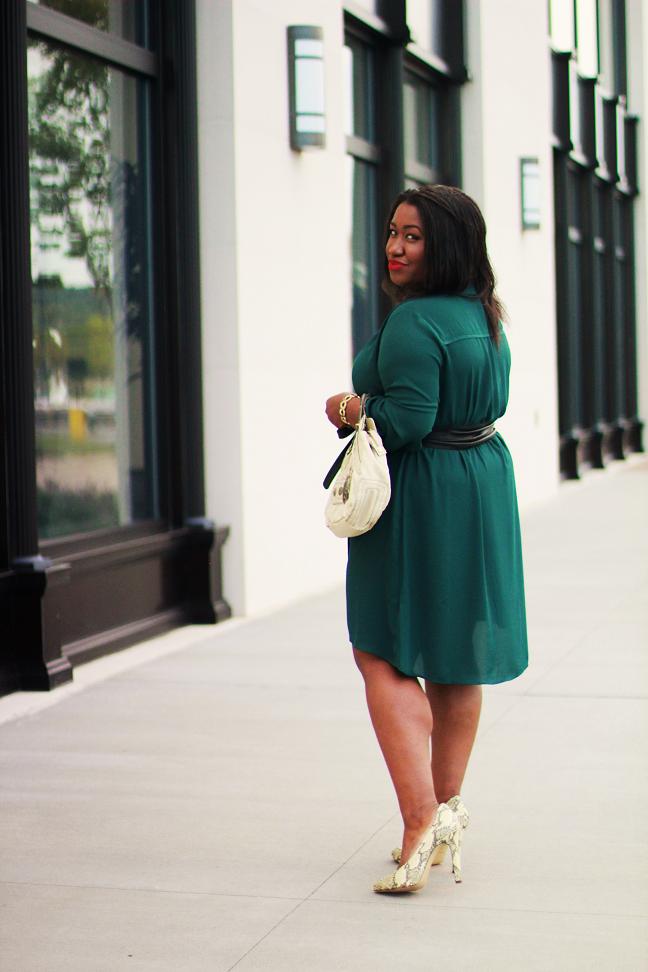 office green dress shirt photo - 1