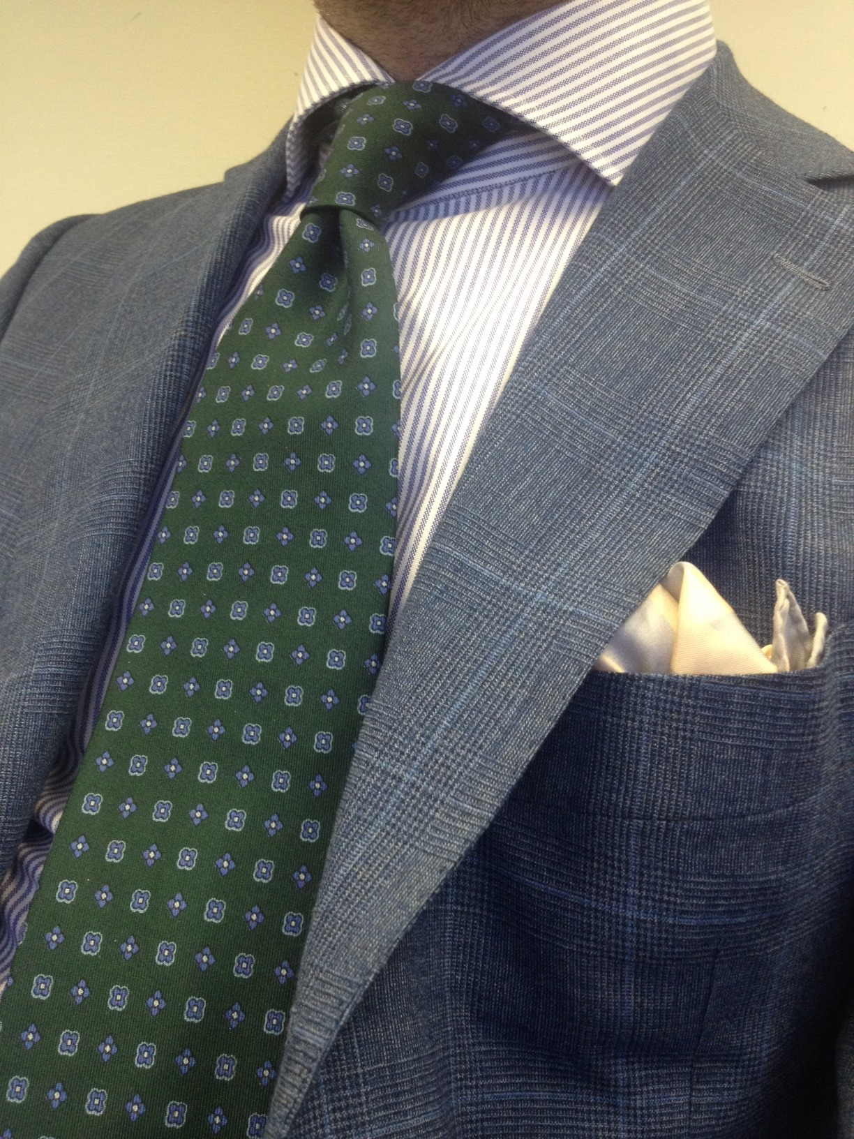 patterned tie photo - 1