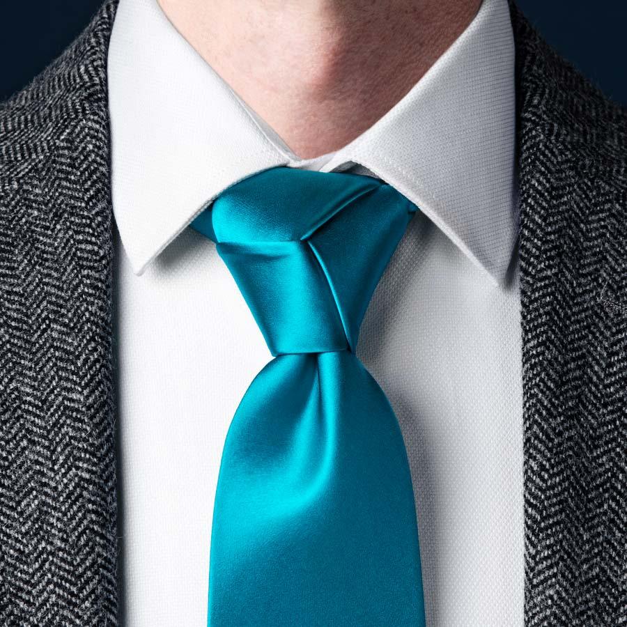 simple knot tie photo - 1