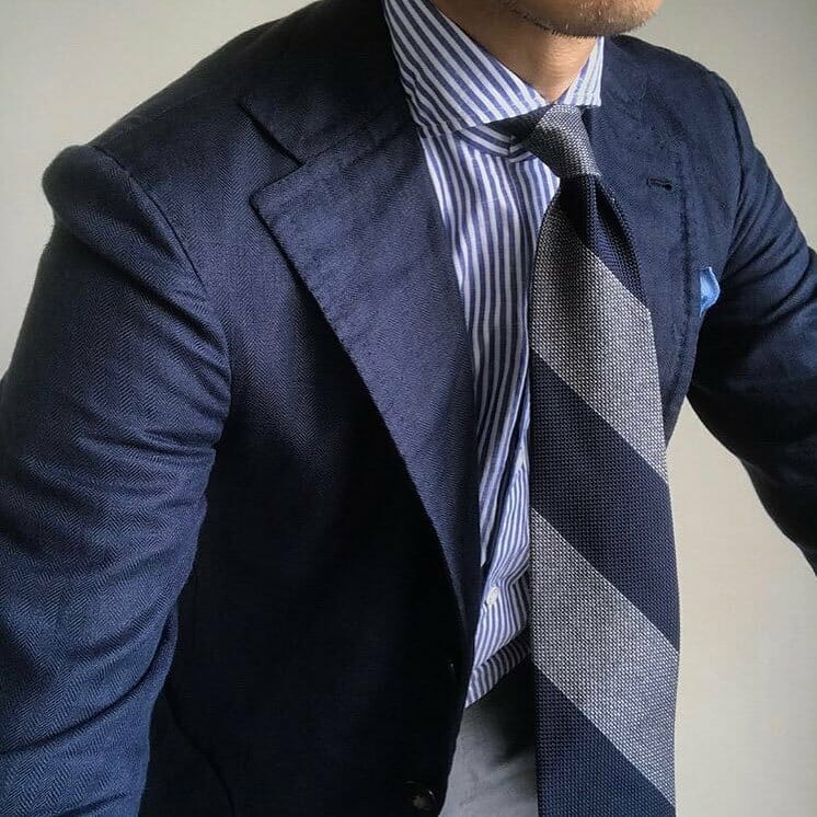 suit and tie combination photo - 1