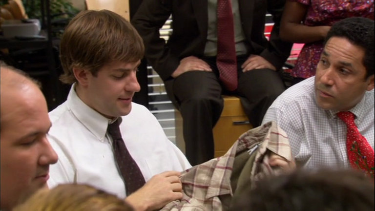 the office creed gives jim a shirt for christmas youtube photo - 1