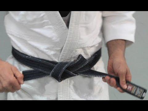 tie a karate belt photo - 1