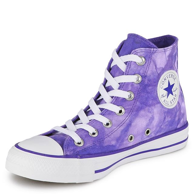 tie dye chuck taylors photo - 1