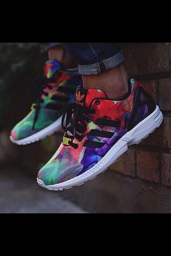 tie dye sneakers photo - 1