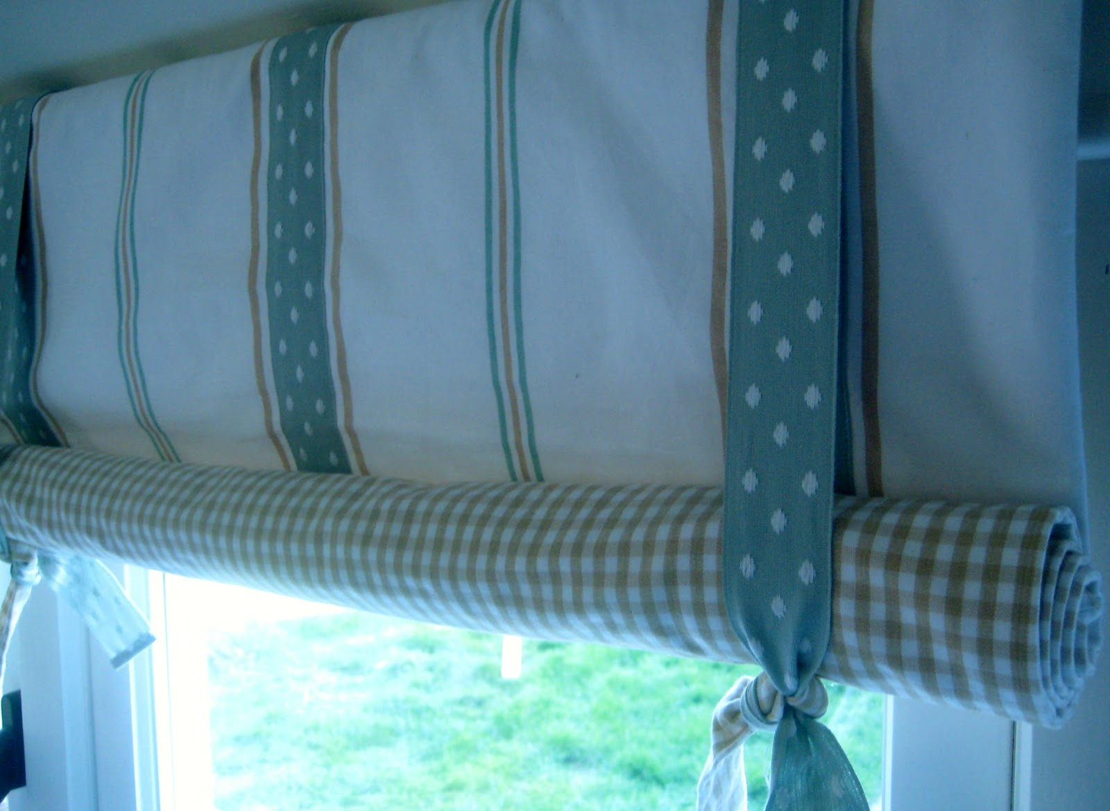 tie up curtains photo - 1
