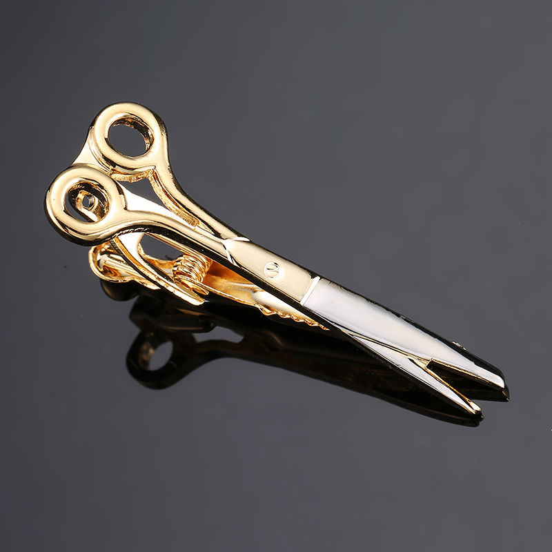 where to put a tie clip photo - 1