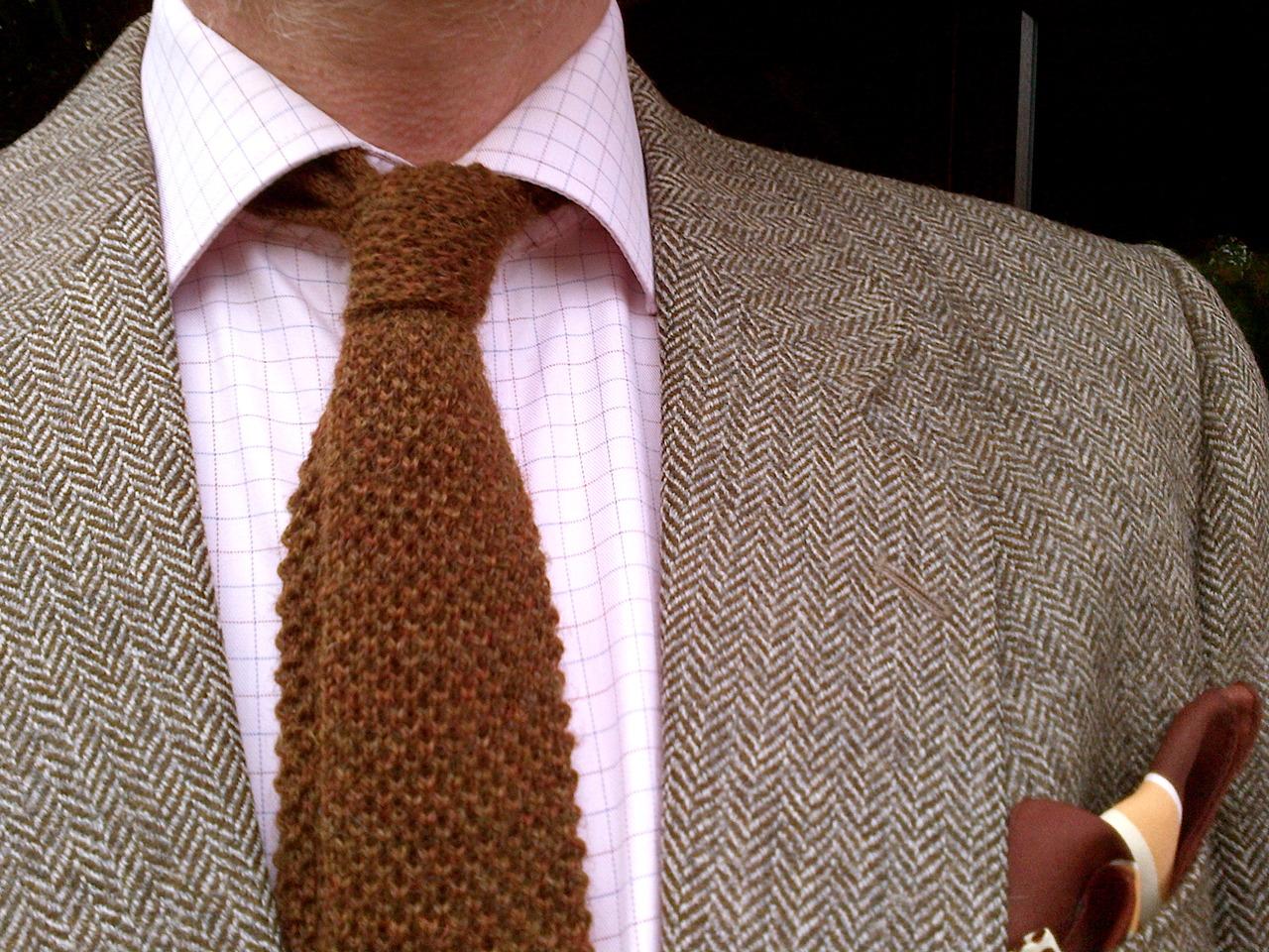wool knit tie photo - 1