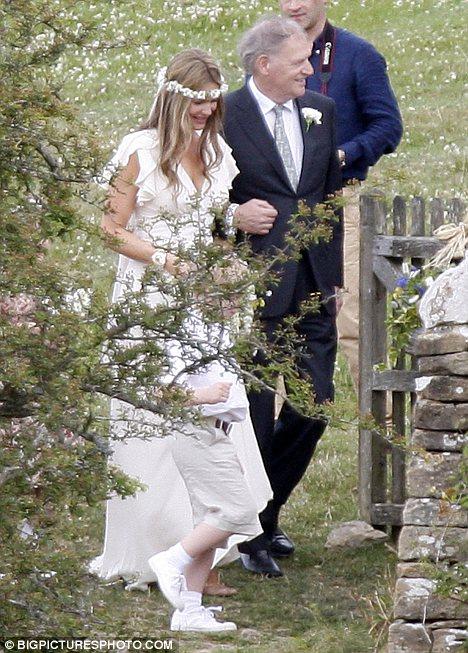 best tie knot for wedding photo - 1