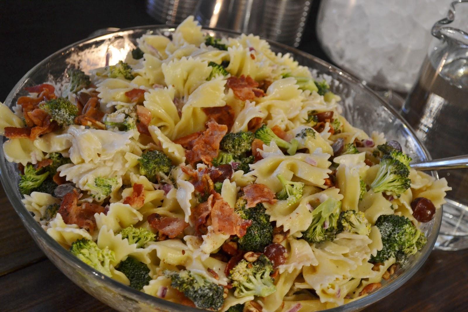 bow tie pasta salad with mayo photo - 1