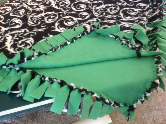 how to make a tie blanket photo - 1