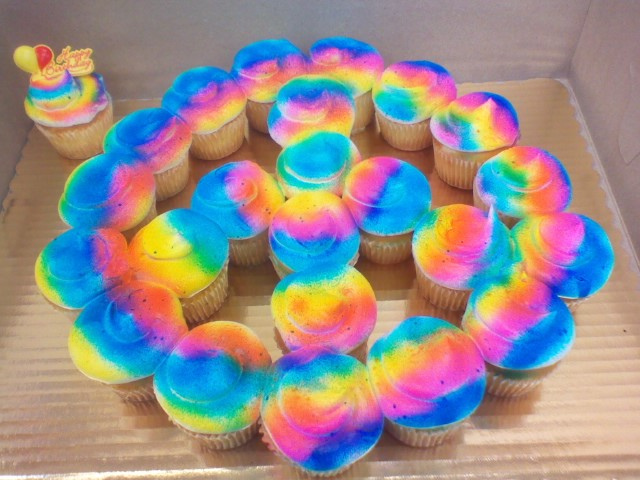 how to make a tie dye cake photo - 1
