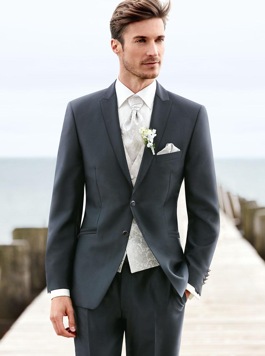 men in business suit photo - 1
