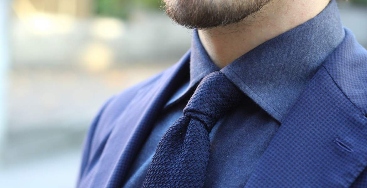 navy blue suit shirt and tie combinations photo - 1