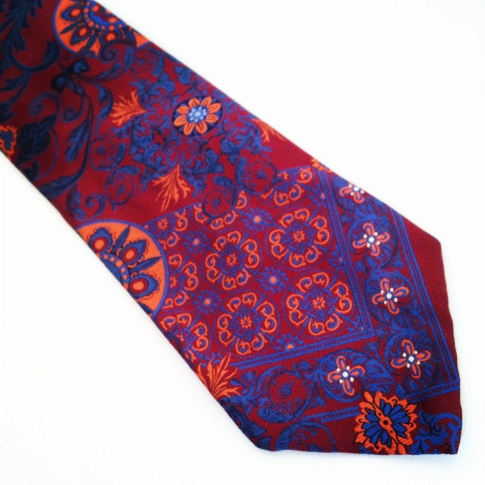 seven fold tie photo - 1