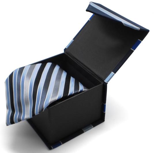 tie a bow tie photo - 1
