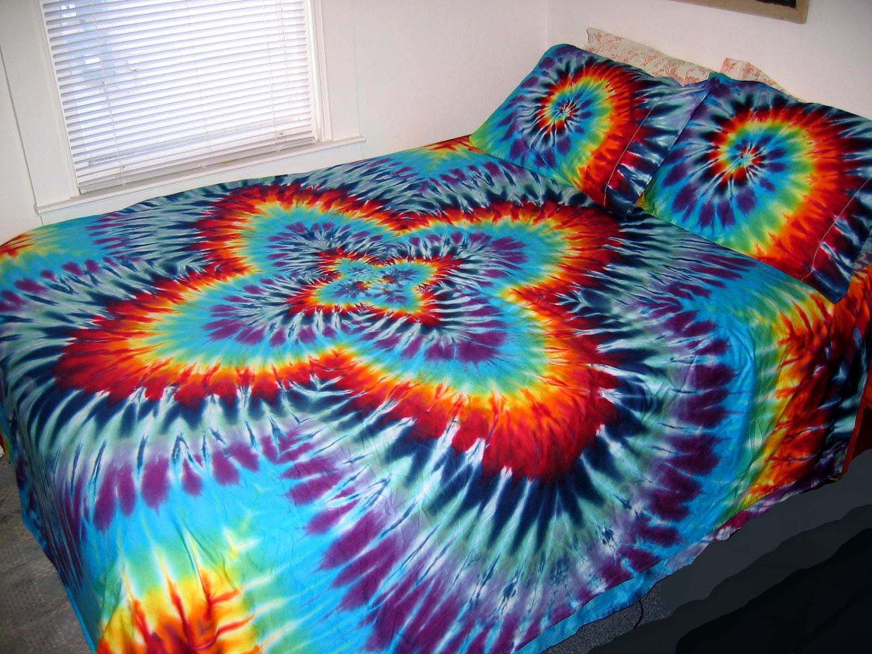 tie dye bed sheet photo - 1