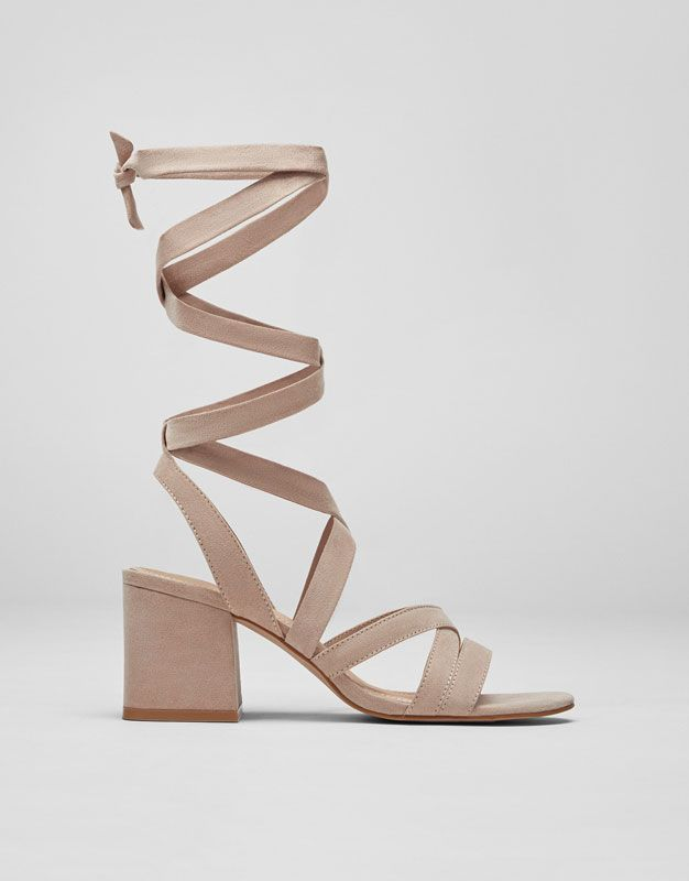 tie sandals photo - 1